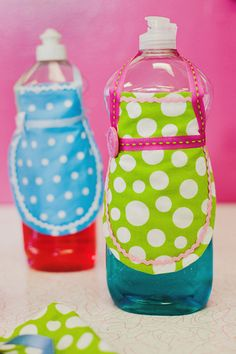 Soap bottle aprons. For housewarming, bridal or teacher gifts