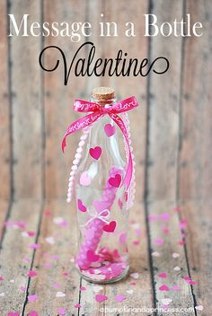 A special message in a bottle will make his heart skip a beat <3 Homemade Valentines, Diy Valentine, Handmade Valentine Gifts, My Funny Valentine, Happy Valentines Day, Valentine Gifts For Girlfriend, Valentine's Day Quotes, Message In A Bottle, Entertaining