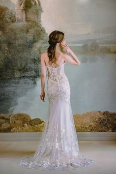 The Timeless Bride Wedding Gown Collection by Claire Pettibone Wedding Dress Backs, Wedding Dresses With Flowers, Colored Wedding Dresses, Claire Pettibone, Strapless Sweetheart Neckline, Strapless Gown, Bridal Gowns, Wedding Gowns, Chic Vintage Brides