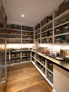 Rob Lowe listet sein Montecito-Herrenhaus für 47 Millionen Dollar auf The Lowes certainly know how to stock a pantry, with more storage than most could probably… - Own Kitchen Pantry Kitchen Pantry Design, Interior Design Kitchen, New Kitchen, Kitchen Decor, Kitchen With Pantry, Kitchen Pantry Cabinets, Kitchen Ideas, Kitchen Organization Pantry, Pantry Storage