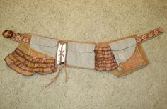 DIY girly utility belt or cut cargo pants keeping just the side pockets and waist band Belt Bags, Belt Pouch, Festival Bags, Hip Purse, Jean Crafts, Burning Man, Larp, Cargo Pants, Aprons