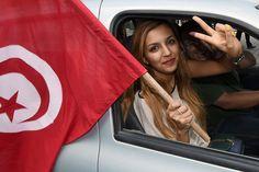 تونس ممنوعیت ازدواج زنان مسلمان با مردان غیر مسلمان را لغو کرد.    Source: کارگاه خبر ژوپیآ