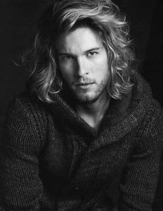 Long Curly and Wavy Voluminous Hairstyle ~ http://heledis.com/man-and-hairstyles-for-men/
