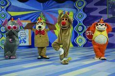 The beautiful weirdness of childrens TV. (The Banana Splits Adventure Hour, The Bugaloos, a. Split Horror Movie, Split Movie, Horror Movies, Horror Film, Classic Cartoon Characters, Classic Cartoons, Banana Splits Tv Show, Banana Split Show, Top 100 Tv Shows