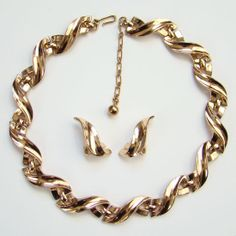 C1940s Crown Trifari Choker Link Necklace Clip by redroselady, $135.00