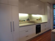 Kitchen-Tek offers a complete start to end service:- http://www.kitchentek.com.au/ CALL NOW FOR FREE MEASURE AND FAIR QUOTE  1300 747 666 OR MOBILE 0418433687 https://www.facebook.com/pages/Kitchen-Tek/655885351199360