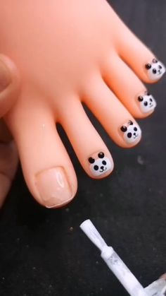 Baby Nail Art, Baby Nails, Toe Nail Art, Toe Nails, Beauty Hacks Nails, Nail Art Hacks, Nail Art Diy, Nail Art Designs Videos, Toe Nail Designs