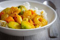 Jemné krevetové curry sdýní akapustičkami Pork, Eat, Cooking, Ethnic Recipes, Kale Stir Fry, Kitchen, Pork Chops, Brewing, Cuisine