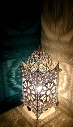 Ramadan lantern decoration ideas are the most beautiful captivating of the Ramadan traditions in all over the world; Moroccan Lamp, Moroccan Lanterns, Moroccan Design, Moroccan Style, Lantern Lamp, Candle Lanterns, Ramadan Lantern, Ramadan Decorations, Fairy Lights