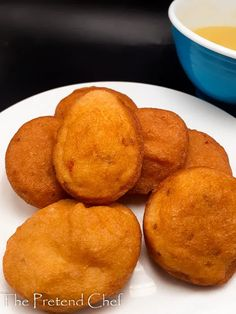 How to make Akara (Bean cake, beans fritters, Kosai) - The Pretend Chef Sandwich Fillers, Bean Cakes, Nigerian Food, Fusion Food, Breakfast Dishes, Chef Recipes, Everyday Food, Pinterest Recipes, Fritters