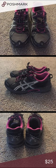 Running shoes Asics running shoes. Lightly worn good condition. Super comfortable. Hugs your foot nice when running or working out. Loops in the back to attach to a back pack or gym bag for easy carrying. Great shoe! Asics Shoes Sneakers