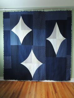 quilt by Stacey Lee O Malley of SLOstudio. ---Quilt for my brother - Finished! I finished this quilt for my brother up the other day, in time to bring it to LA to him when I head out for Quiltcon! I'm supposed to have already left for California,. Big Block Quilts, Blue Quilts, Quilt Blocks, White Quilts, Scrappy Quilts, Quilting Projects, Quilting Designs, Quilting Ideas, Quilt Modernen