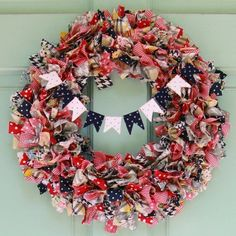 how to make rag wreath instructions DIY front door wreath ideas festive banner