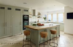his is our stunning Mersea kitchen. The coastal inspiration creates the perfect synergy between an open plan kitchen and natural living. Kitchen Colour Schemes, House Color Schemes, House Colors, Beach House Kitchens, Home Kitchens, Corner Sofa Living Room, Kitchen Decor, Kitchen Design, Kitchen Ideas