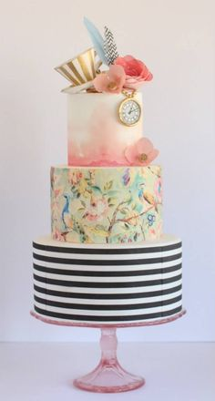 Hochzeitstorten obst Hand-Painted Wedding Cakes You Have To See - Watercolour wedding cakes Gorgeous Cakes, Pretty Cakes, Amazing Cakes, Fondant Cakes, Cupcake Cakes, Cake Paris, Decors Pate A Sucre, Alice In Wonderland Cakes, Wonderland Party