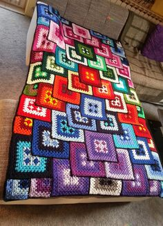 Häkelfieber: Patchwork Granny Blanket (Stunning, I can only hope to be able to…