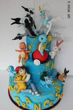 this is a brithaday cake with sugar sculptures handmade Pokemon Birthday Cake, Pokemon Cupcakes, Pikachu Cake, Pokemon Party, 9th Birthday, Birthday Ideas, Fondant Animals, Sugar Art, Themed Cakes