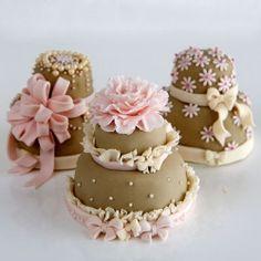 Mini tartas de boda o celebraciones :)