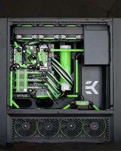 Nice custom rig, all hail the master race! Computer Build, Computer Setup, Computer Case, Computer Technology, Gaming Computer, Gaming Room Setup, Pc Setup, Pc Cases, Case Mods