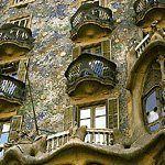 "Casa Batllo DesignerAntoni Gaudi Location Barcelona, Spain Date 1905 to 1907 Building Type apartment building (remodel) Climate mediterranean Context urban Architectural Style Expressionist or Art Nouveau Street Address 43 Passeig de Gr�cia Walk Score Notes Architect sometimes referred to as ""Antonio Ga"