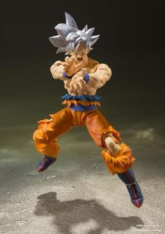 """Tamashii Nations S.H. Figuarts: Dragon Ball Super - Ultra Instinct Goku From the anime Dragon Ball Super, Goku, as seen in the space survival arc joins S.H.Figuarts! Now you can hold the power of Son Goku """"Ultra Instinct"""" in the palm of your hand! The set includes three optional expressions, three pairs of optional hands, a ball effect, and seven light beam effects. Product Features 5.50 inches (14cm) Made of plastic From Dragon Ball Super Ultra Instinct form As seen in the space survival arc Bo Akira, Anime Figures, Action Figures, Super Goku, Figuarts, Goku Ultra Instinct, 3 Face, Son Goku, Dragon Ball Z"""