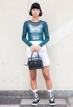 【キャンパス・パパラッチ DAILY】 シルバーのタンクトップとスカートでスパイスを効かせた、川合朱音さん -文化服装学院 ファッションフェスティバル- http://soen.tokyo/paparazzi/daily/daily451/