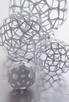 Yoshinobu Miyamoto paper spheres