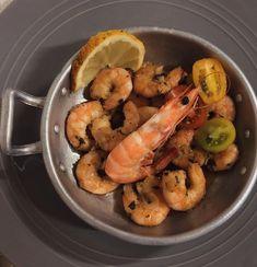 """Amor Em Castelo on Instagram: """"🦐 à guilho. Somos peritos em petiscos e este é sem dúvida o mais satisfatório para se comer quando não se tem aquela fome para jantar.…"""" Shrimp, Meat, Instagram, Food, Castle, Tapas Food, Dining, Beef, Meal"""
