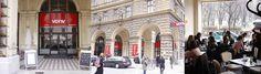 Café Votiv befindet sich im Zentrum von Wien nur ca. 150m entfernt von der Votivkirche zwischen NIG und Hauptuniversität - HAPPY HOUR von 19 bis 22 Uhr Spritzer um € 2,10 (Rot/Weiß und Kaiser) Bier Flasche 0,5 l um € 2,90 Dauerangebot: Cappuccino und Sachertorte € 5,50 Happy Hour, Lokal, Restaurants, Street View, Recipes, Cafes, Coffee Cafe, Beer, Flasks