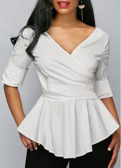 women's blouses, trendy blouses for women with competitive price Blouse Styles, Blouse Designs, Style Feminin, Looks Plus Size, Blouses For Women, Women's Blouses, Elegant Dresses, Dress Patterns, Designer Dresses