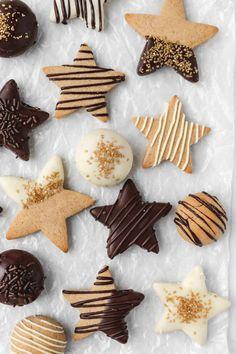 Christmas Sweets, Christmas Cooking, Christmas Holiday, Xmas, Italian Christmas, Modern Christmas, Christmas Decorations, Chocolate Sticks, Chocolate Cookies