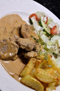 Fläskfilé med Crème Bonjour Time To Eat, Lchf, Pot Roast, Keto Recipes, Steak, Food And Drink, Pork, Meals, Chicken