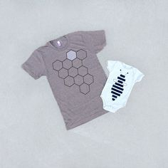 ♥ Ive got a heart full of honey thanks to my favorite little bee. Just in time for spring, these complimentary tees make the perfect Fathers Day