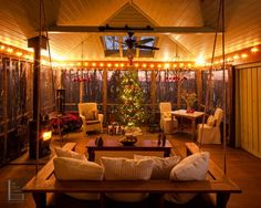 Beautiful Christmas Lights Decor For Backyard Ideas 16 Screened Porch Decorating, Screened In Patio, Back Patio, Front Porch, Porch Awning, Porch Windows, Porch Bed, Decorating With Christmas Lights, Outdoor Christmas Decorations