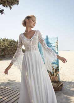 Lace Wedding Dress, Bohemian Wedding Dresses, Long Sleeve Wedding, Rembo Styling, Boho Designs, Designer Bridal Lehenga, Herve, Chiffon Skirt, Lace Bodice