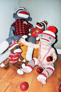 Rylowear is offering you the best in clothing for boys and girls and this sock monkey outfit is sure to put a smile on your face. includes sock monkey
