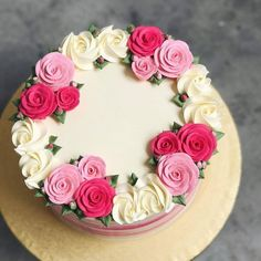 Hello all, do note that we're fully booked out for custom cakes for February and won't be taking in anymore orders. You can consider our… Cake Decorating Frosting, Creative Cake Decorating, Cake Decorating Designs, Cake Decorating Videos, Cake Decorating Techniques, Creative Cakes, Cake Designs, Decorating Ideas, Cake Icing