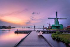 Zaanse Schans  Last image of my first trip ever to the typical Dutch windmills of the Zaanse Schans. I cannot believe that I have not yet been here before! Impressive! Must return soon!  @tokinausa @tokina_global #teamtokina #tokina1116  (c) 2017 Martijnvandernat.nl all rights reserved     .