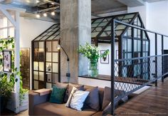 These interior designers have completed their own office, so let's have a look at what they did