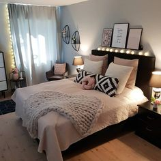 New room decor for teen girls pretty bedroom ideas 24 ideas Bedroom Decor For Teen Girls, Girl Bedroom Designs, Room Ideas Bedroom, Small Room Bedroom, Home Decor Bedroom, Girl Bedrooms, Kids Bedroom, Bedroom Colors, Room Decor Bedroom Rose Gold