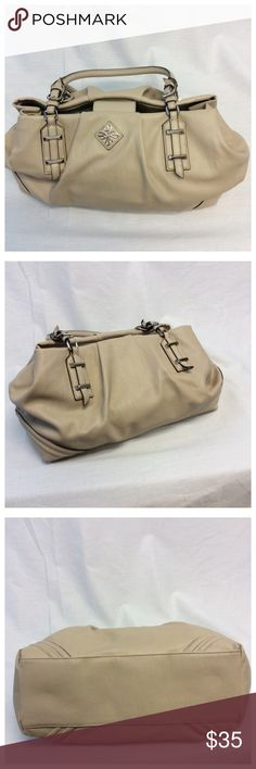 "VERA WANG BEIGE PURSE VERA WANG BEIGE PURSE with 3 pockets n 2 zippered pockets inside n 2 handles Approx measurements are 19"" long, 9.5"" high, 9"" wide (069) Vera Wang Bags"