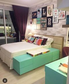 Adolescent room for menian Couple Bedroom, Teen Bedroom, Dream Bedroom, Home Bedroom, Bedroom Decor, Bedrooms, Suites, Cool Rooms, New Room