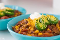 This Pressure Cooker Turkey Chili Recipe from My Forking Life is not only delicious but has only a 25 minute under pressure cook time. It's the perfect one pot dinner that can be made on any weekend or weeknight. Chili Recipes, Turkey Recipes, Fall Recipes, Crockpot Recipes, Great Recipes, Pressure Cooker Turkey, Pressure Cooker Recipes, Pressure Cooking, Clean Eating