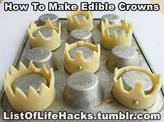make easy edible crowns ! make easy edible crowns ! Cupcake Cookies, Sugar Cookies, Crown Cookies, Crown Cupcake Toppers, Crown Cupcakes, Cookie Designs, Cookies Et Biscuits, Cute Food, Cookie Decorating