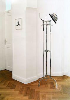 Orbis floor lamp by herbert h schultes orcus secretary for Topdeq design