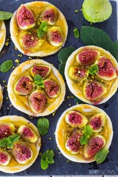 Fig tartlets with custard cream and pistachios