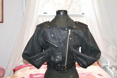 Vtg. Leather Motorcycle Jacket Womens size small  x small by Taite
