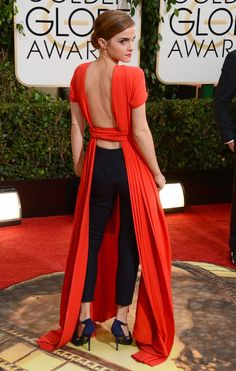 Emma Watson in Dior Haute Couture at the Golden Globes 2014 - Red Carpet Emma Watson Outfits, Style Emma Watson, Emma Watson Belle, Emma Watson Estilo, Emma Watson Beautiful, Emma Watson Sexiest, Ema Watson, Emma Watson Fashion, Emma Watson Dress