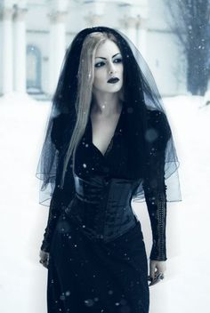black dress for the witch of Endor