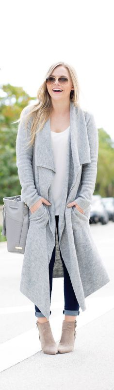 OVERSIZED GREY CARDIGAN / Fashion By Living In Color Print